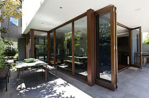 Installing Bi-Fold Doors Chafford Hundred (01375)